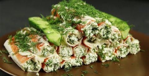 Крабовые палочки с начинкой, ПП салат с крабовыми палочками, бутерброды, паштет и намазка на хлеб.