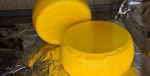 Как приготовить сыр Гауда дома. Вкусно и красиво!!