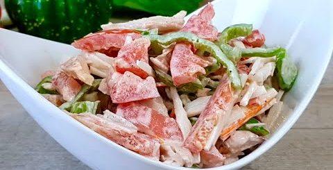 НОВИНКА! Салат из крабовых палочек. Экономный простой салатик. Рецепты салатов с крабовыми палочками -
